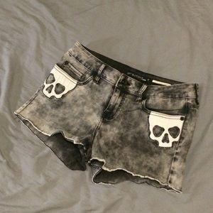 Lovesick lowrise grey acidwash shorts skull detail